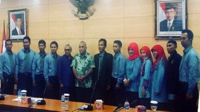Siswa SMKN 1 Cikalongkulon Cianjur Mengunjungi Kantor Kominfo