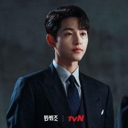 Song Joong Ki dalam drama Vincenzo.