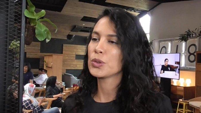 Eva Celia Sudah 26 Tahun, Bagaimana Sikap Sophia Latjuba sebagai Ibu?
