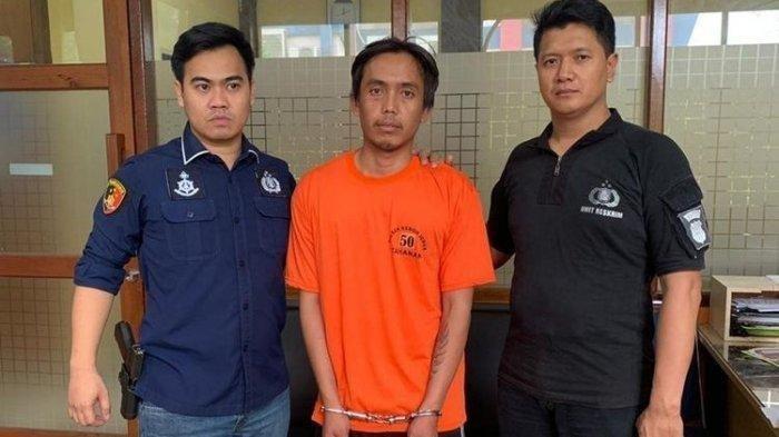 Polisi telah menetapkan tersangka pembunuhan seorang perempuan berinisial SR yang ditemukan di Jalan Pilar Lapangan Bola, Kedoya Selatan, Kebon Jeruk, Jakarta Barat