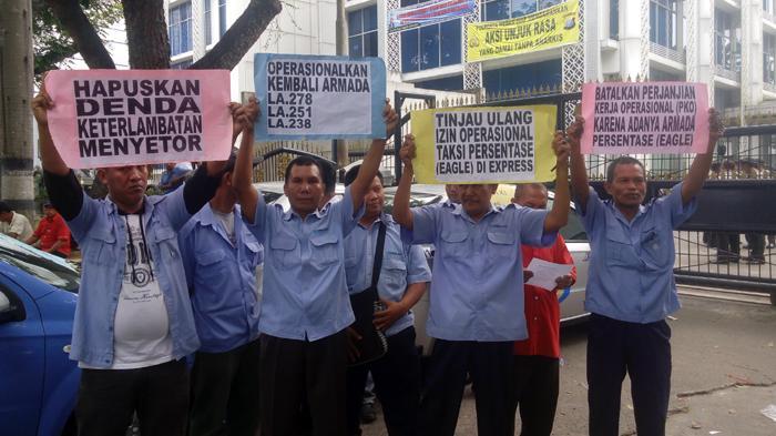 Taksi Gelap Bandara Kualanamu Dibekingi Preman