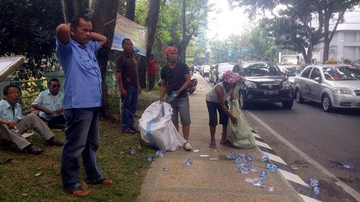 Para Sopir Taksi Kecewa Blue Bird Ingkar Janji Ikut Demo