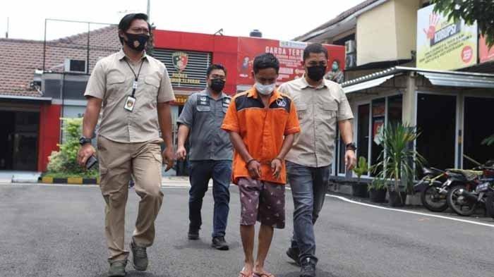 Pengakuan Istri dari Jagal Sapi yang Bunuh Pemuda, Dipaksa Antar Obat dan Diancam Foto Syur Disebar