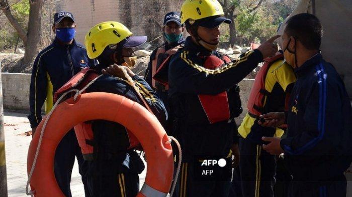 Gletser Himalaya Longsor dan Memicu Banjir Besar di India, Setidaknya 145 Orang Hilang