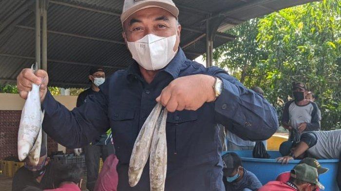 Ramaikan Suasana Lebaran, KKP Bagikan Paket Ikan Segar Hasil Budidaya