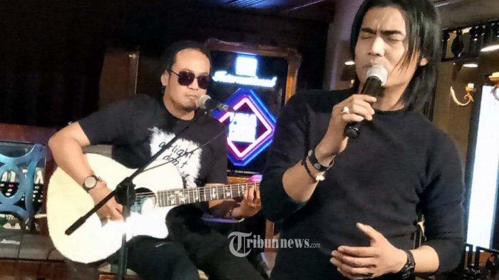 Chord Gitar dan Lirik Lagu Cinta Tak Harus Memiliki - ST12, Lengkap dengan Video Klip