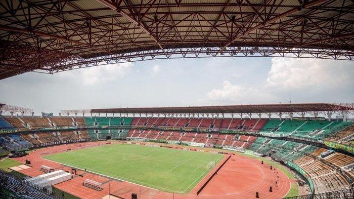 Jelang Piala Dunia U-20, Stadion Gelora Bung Tomo Ganti Rumput Pakai Sistem Tanam Satu Per Satu