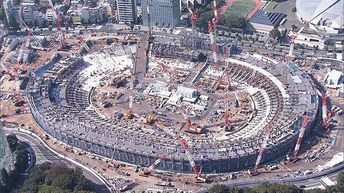 Stadion nasional olahraga Olimpiade 2020 di Tokyo Jepang dalam tahap pembangunan.