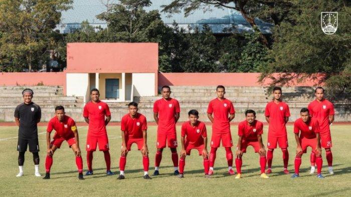 Starting eleven Persis Solo hadapi Bhayangkara FC dalam laga uji coba yang berakhir dengan skor imbang 2-2.