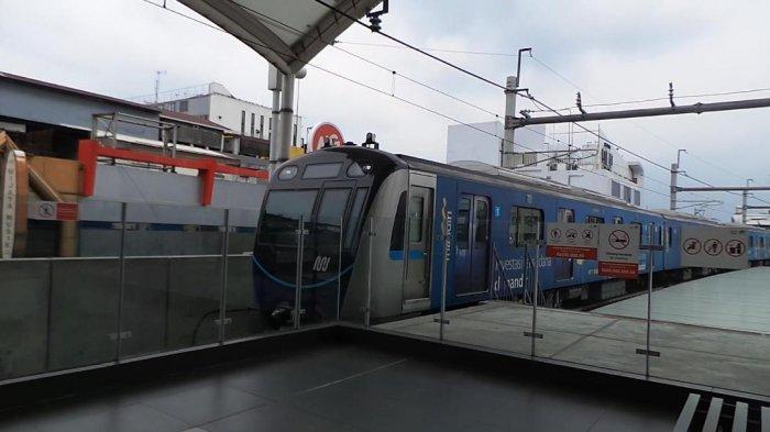 Cerita Petugas Stasiun MRT Tetap Kerja di Tengah Pandemi Virus Corona