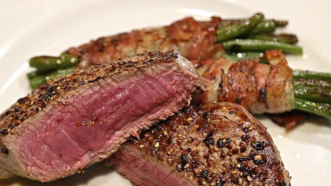 steak daging setengah matang