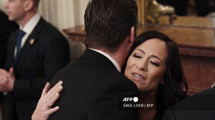 Kepala Staf Melania Trump dan Sekretaris Sosial Gedung Putih Mengundurkan Diri Pasca Kerusuhan