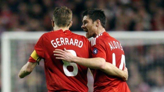 Steven Gerrard dan Xabi Alonso