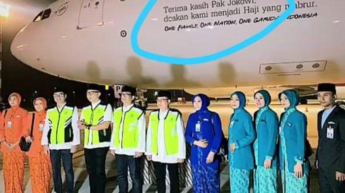 PT Garuda Indonesia (Persero) Tbk membenarnya adanya stiker bertuliskan