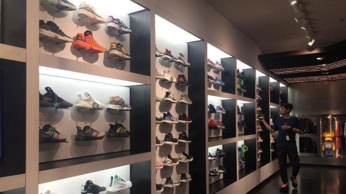 Harga Sepatu Adidas Yeezy 350 V2 Black