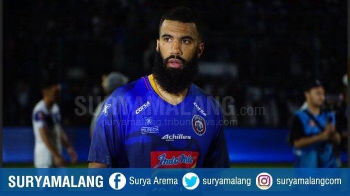 Striker Arema FC, Sylvano Comvalius.