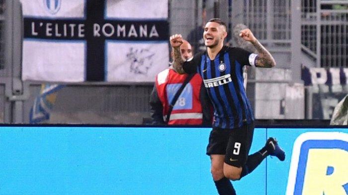 Striker Inter Milan, Mauro Icardi, melakukan selebrasi seusai menjebol gawang Lazio dalam partai Liga Italia di Stadion Olimpico, Senin (29/10/2018).