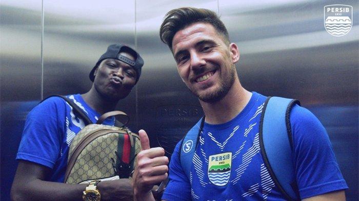 Tanda-Tanda Mario Gomez Bakal Duetkan Ezechiel N Douassel-Jonathan Bauman di Arema FC