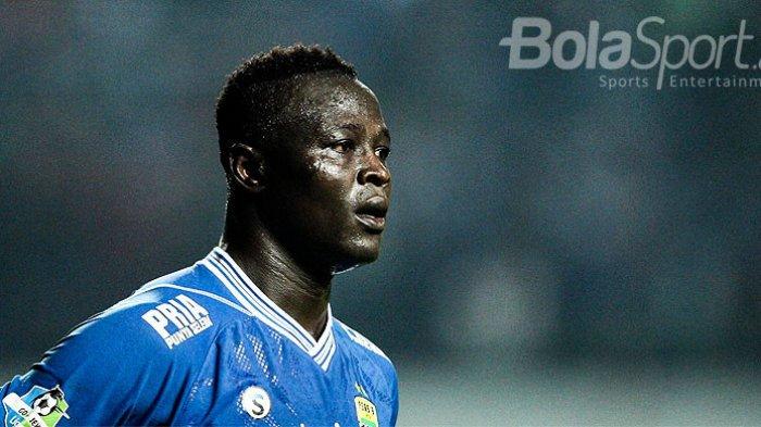 Ezechiel N'Douassel Bersedih Usai Persib Bandung Kalahkan Persiwa Wamena