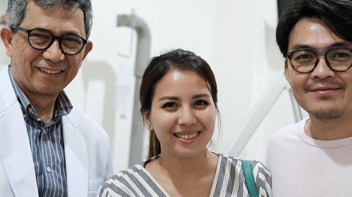 Suami Derita Sakit Telinga Berdenging, Tya Ariestya Curhat Panjang di Instagram