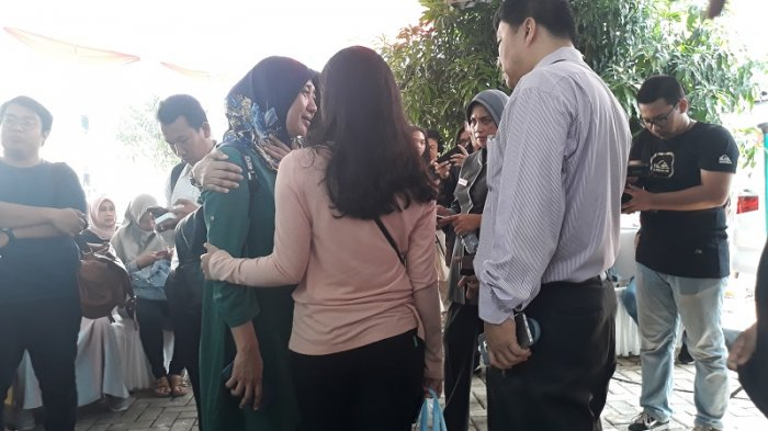 Suasana Haru Terus Menyelimuti Posko Ante Mortem kecelakaan Pesawat Lion Air JT-610 di RS Polri
