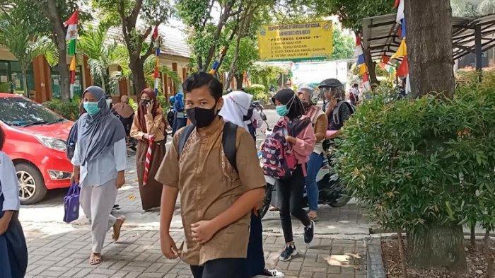 Siswa SMPN 2 Kota Bekasi Berharap PTM Kembali Normal