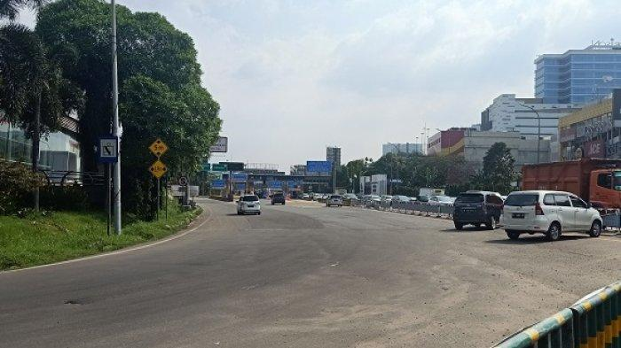 Tak Diperiksa Petugas, Kendaraan Masih Bebas Melintas di Posko Penyekatan GT Bekasi Barat