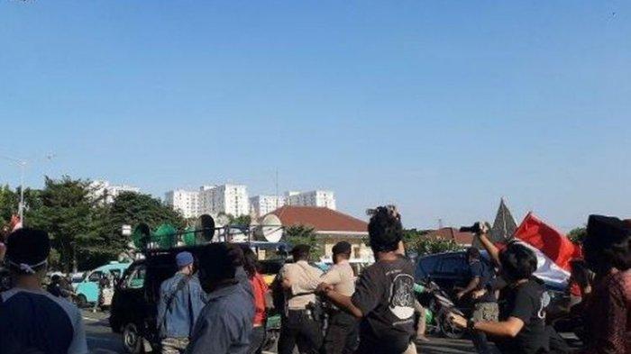 Duduk Perkara Rombongan Gatot Nurmantyo dan Pendemo Bentrok di TMP Kalibata