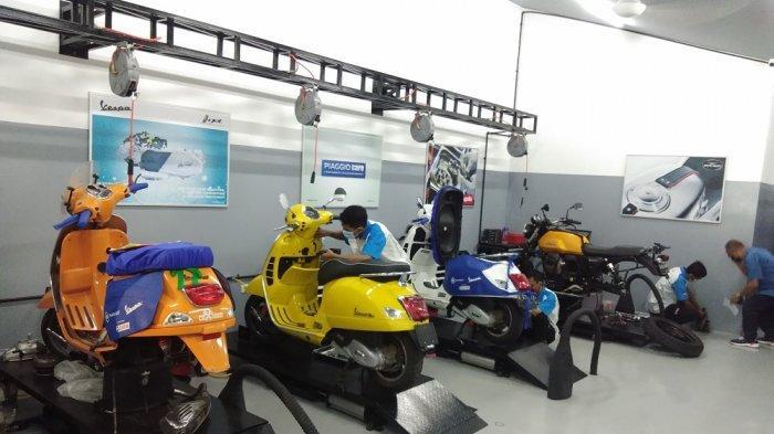 Suasana dealer Motoplex Gaia Moto di Jalan Antasari, Jakarta Selatans