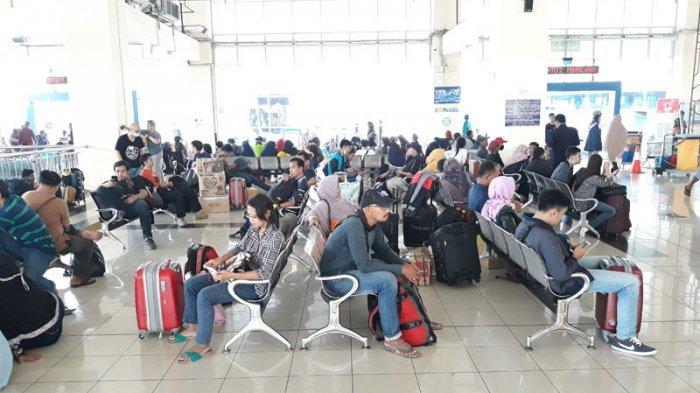 Diprediksi 15 Ribu Pemudik Bakal Berangkat dari Terminal Pulo Gebang Pada H-2 Lebaran