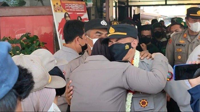 Suasana Haru Warnai Pisah Sambut, AKP Jan Piter Napitupulu Menangis Saat Tinggalkan Mapolsek