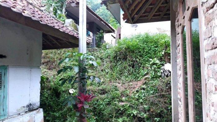 Suasana kampung mati di Dusun Cimeong, Desa Cilayung, Kecamatan Ciwaru
