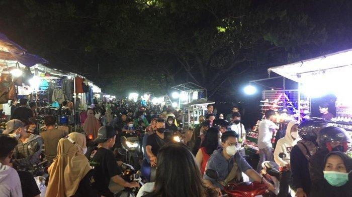 Suasana Malam Takbiran di Kanal Banjir Timur