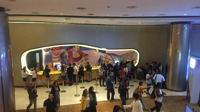Suasana konser Ivan Gunawan pasca gempa yang konsernya di gelar di Ciputra Artpreneur, Lotte Shopping Avenue, Kuningan, Jakarta Selatan Jumat (2/8/2019) dipastikan tetap berlanjut.