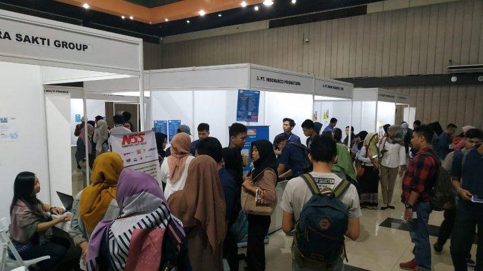 Ratusan Lowongan Kerja Ditawarkan di Mercu Buana Career Fair 2019