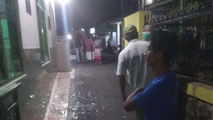 Pria di Candisari Semarang Ngamuk, Hancurkan Kaca Musala Gunakan Kayu
