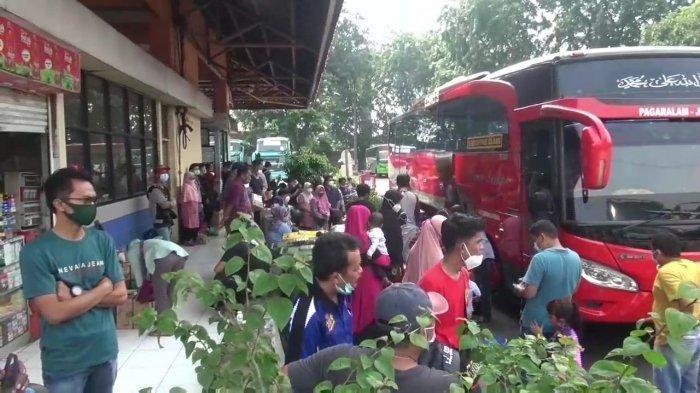 Terminal Kampung Rambutan Mulai Menggeliat, Penumpang Melonjak