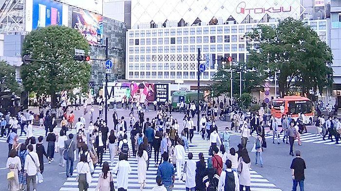Suasana persimpangan Hachiko Shibuya Tokyo Jepang, Jumat (29/5/2020) kembali ramai.