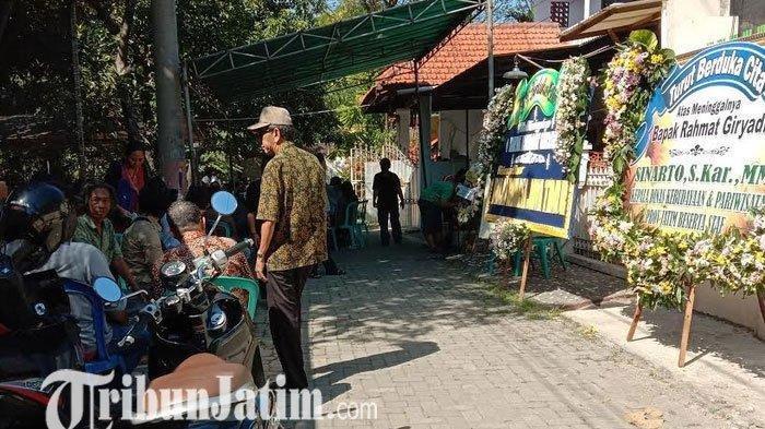 Dunia Seni Jawa Timur Berduka, Seniman Rahmat Giryadi Meninggal Dunia di Sidoarjo