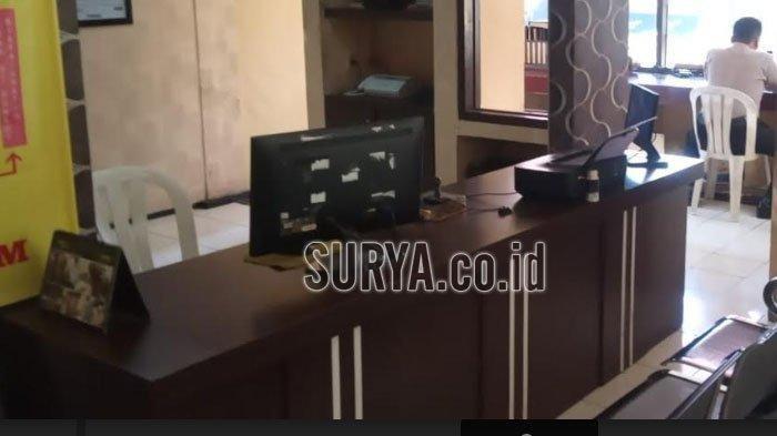 Suasana terkini di SPKT Polsek Wonokromo Kota Surabaya sehari pasca diserang terduga teroris berinisial IM, Minggu (18/8/2019). Tribun Jatim/Luhur Pambudi