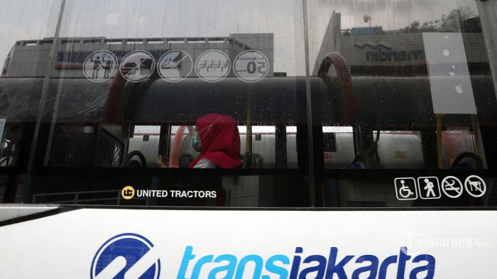 Volume Penumpang Bus TransJakarta Berkurang Drastis Semenjak PSBB Diberlakukan