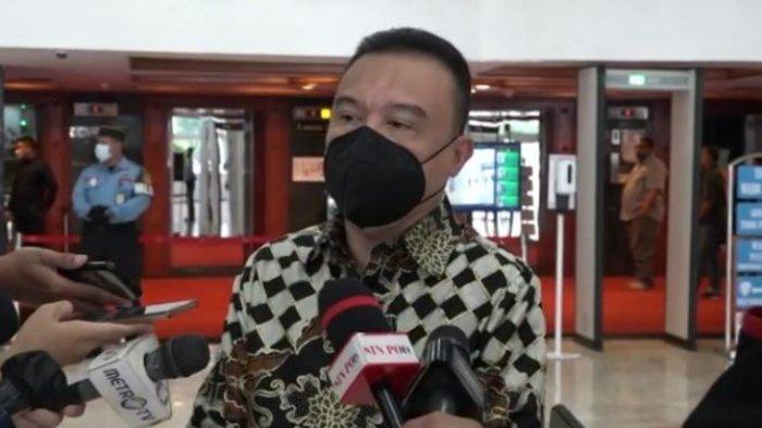 Sufmi Dasco Ahmad batik
