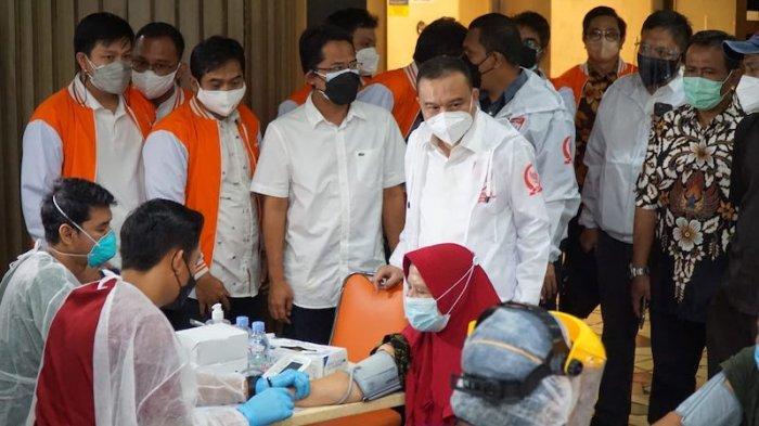 Sidak Vaksinasi Pedagang Pasar Tanah Abang, DPR: Mereka Menolak Kibarkan Bendera Putih