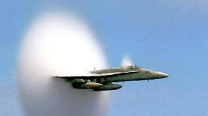 Akibat Bunyi Dentuman 'Sonic Boom ' Pesawat Sukhoi Warga Bisa Gugat TNI AU
