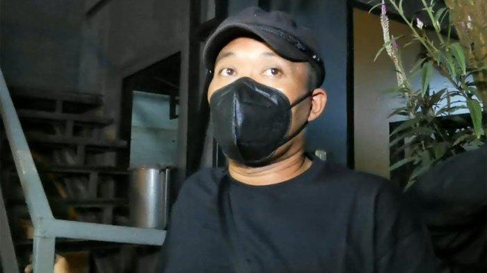 Sule ketika ditemui di kawasan Tendean, Mampang Prapatan, Jakarta Selatan, Senin (26/4/2021) malam - Begini respons Sule atas kepulangan Nathalie Holscher setelah pergi dari rumah.