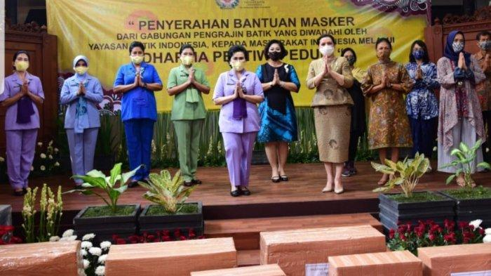 Dibagikan ke Masyarakat, Yayasan Batik Indonesia Borong Ribuan Masker dari Pengrajin