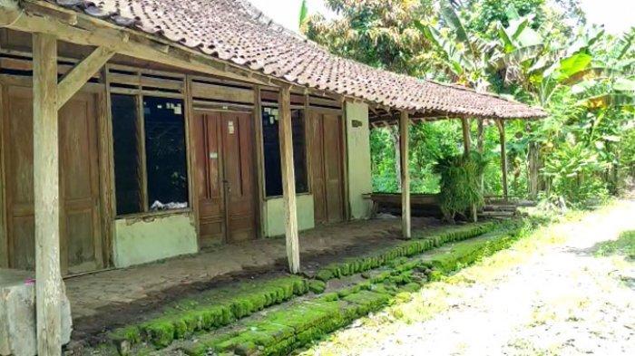Foto sepinya Sumbulan, satu Kampung di Desa Plalangan, Kecamatan Jenangan, Kabupaten Ponorogo yang sepi tak berpenghuni.