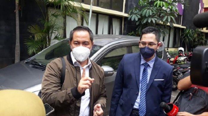 Sunan Kalijaga, kuasa hukum wanita berinisial S, yang mengaku sebagai korban pelecehan yang dilakukan ayah Taqy Malik, Mansyardin Malik. Ia ditemui di Komnas Perempuan, Menteng, Jakarta Pusat, Selasa (21/9/2021).
