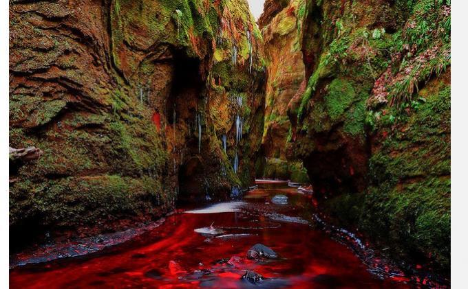Wisata Eksotik 'Sungai Darah' di Skotlandia