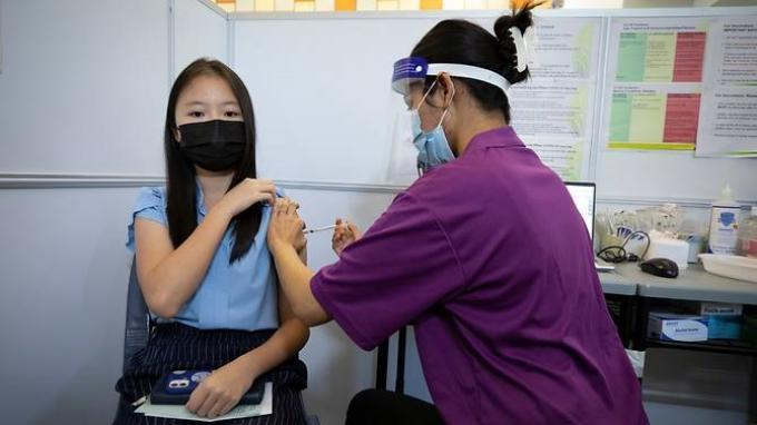 Singapura Mulai Vaksinasi Covid-19 untuk Siswa Berusia 12 Tahun ke Atas